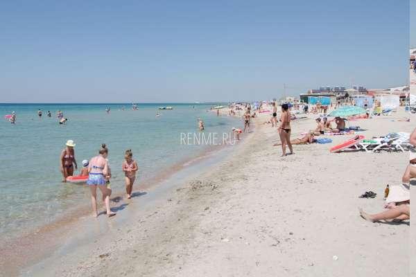 Реальный пляж в Крыму. Фото Штормового