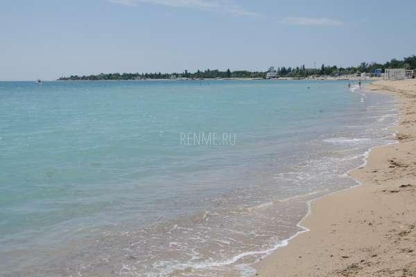 Голубая морская вода в Крыму. Фото Заозёрного