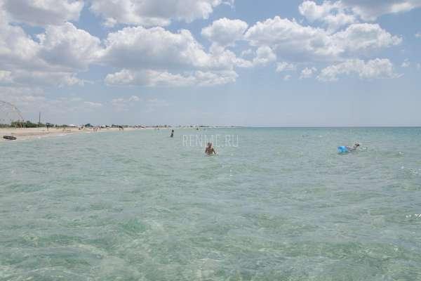 Черное море совсем не черное. Фото Штормового