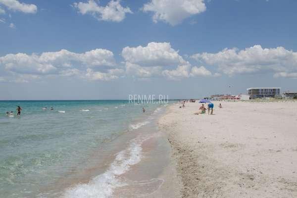 Песчаные пляжи Штормового . Фото Штормового