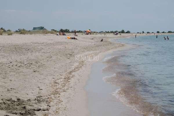 Пляж и море в Штормовом. Фото Штормового