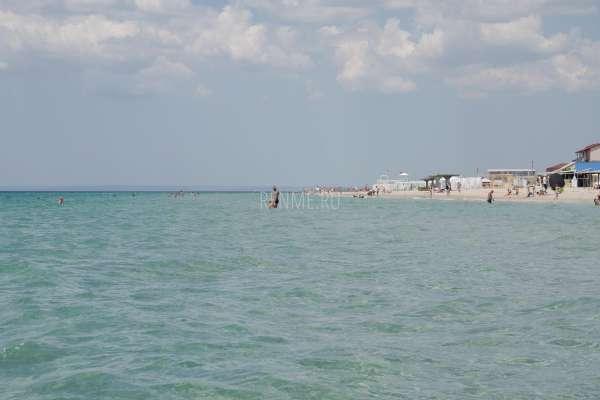Самое мелкое и тёплое море в Крыму. Фото Штормового