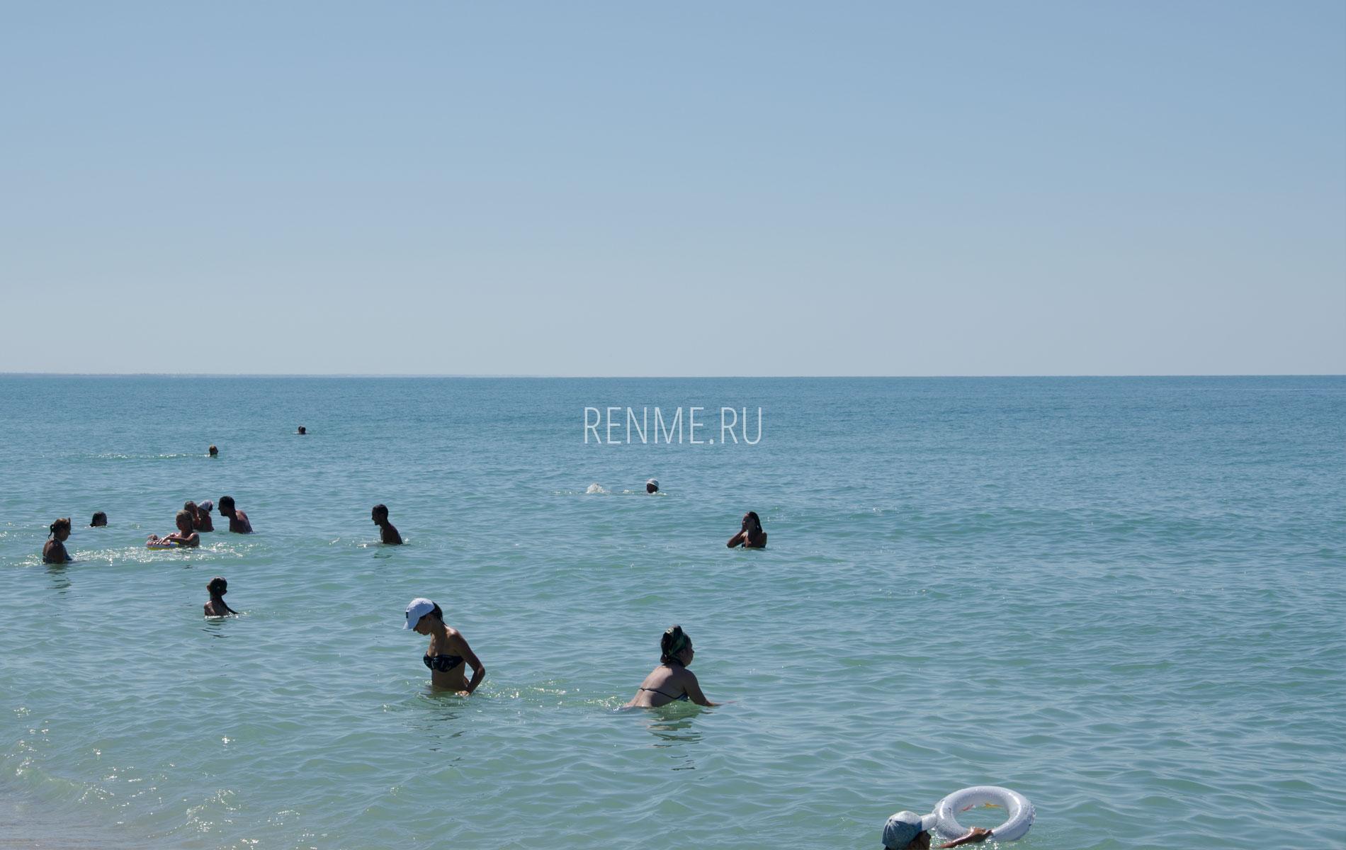 Туристы на море. Фото Стерегущего