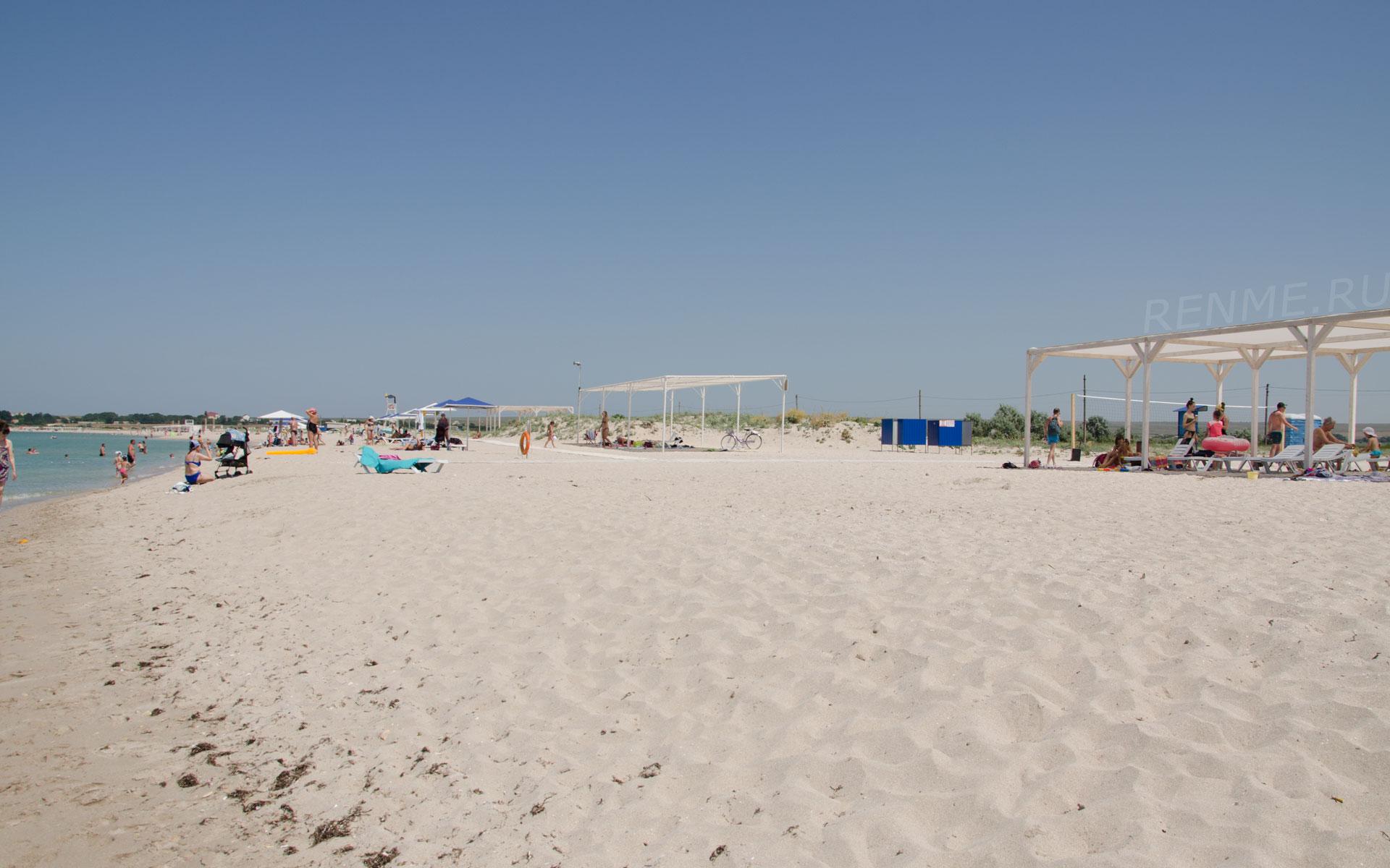 Лучший песчаный пляж России. Фото Оленевки