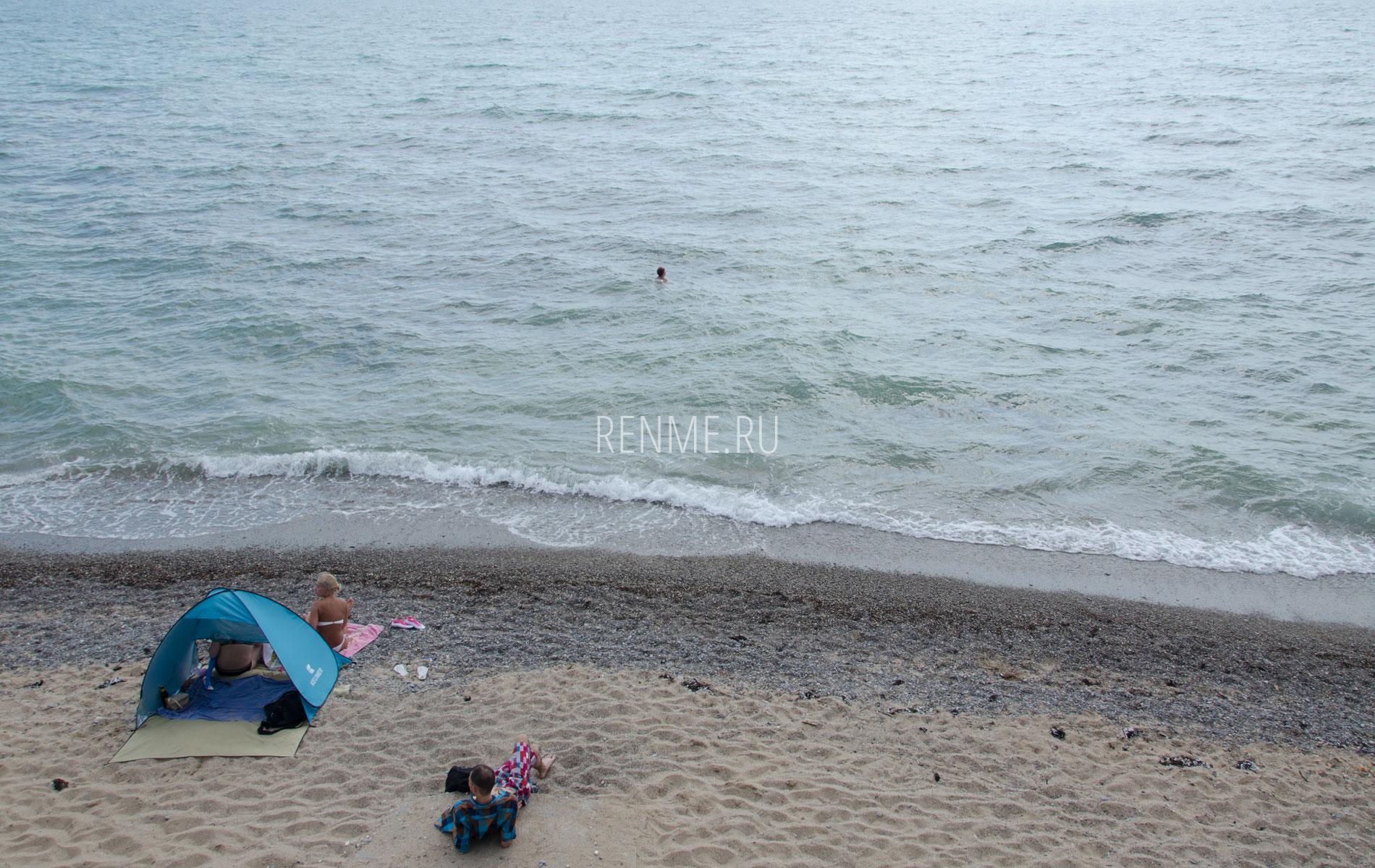 Песчано-галечный пляж Ravennamare. Фото Николаевки