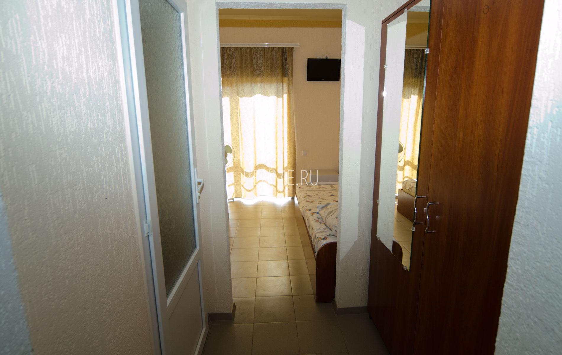 Стандарт 3-х местный. Отель на Песчанке. Заозёрное