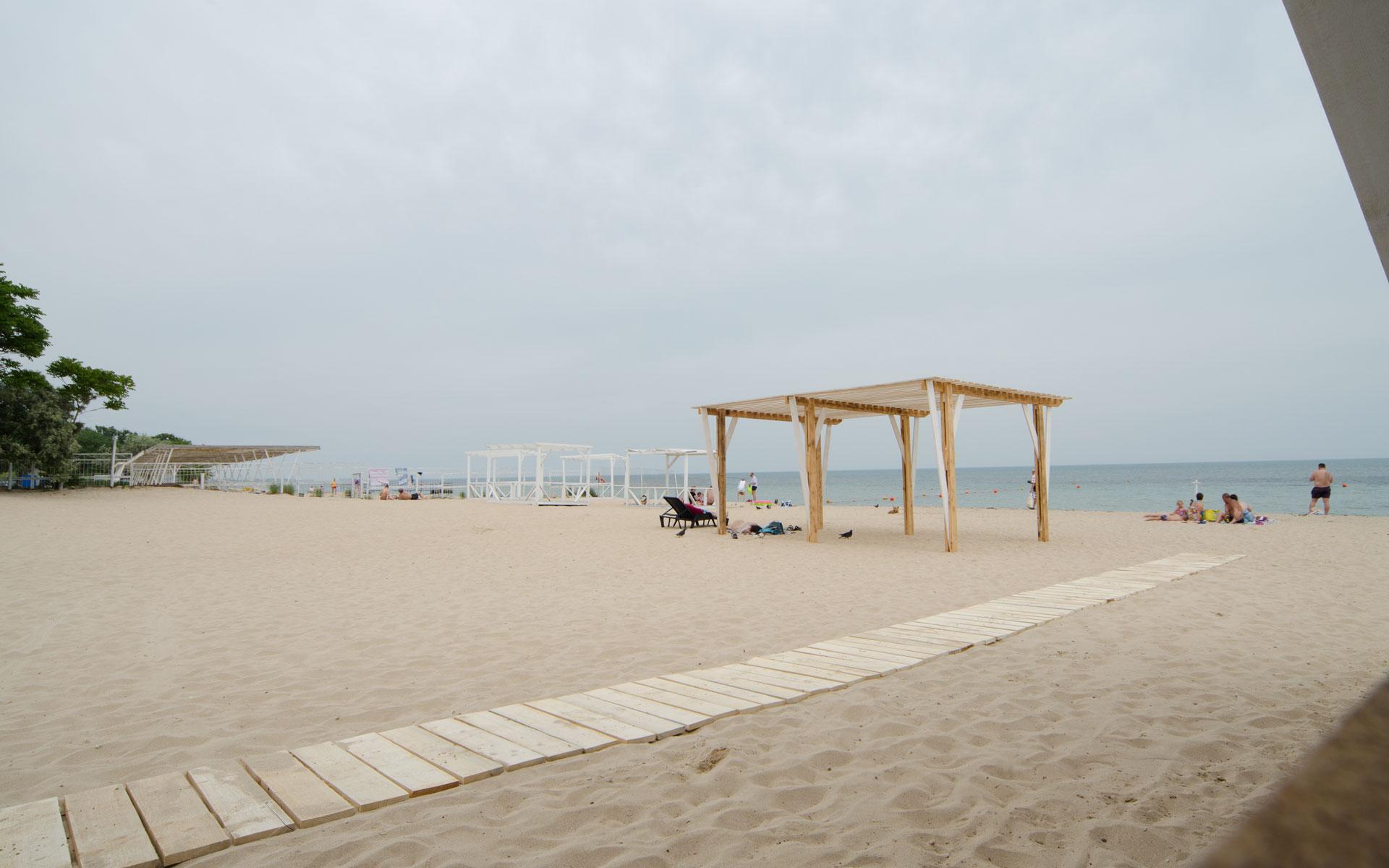 На пляже. Фото Заозёрного