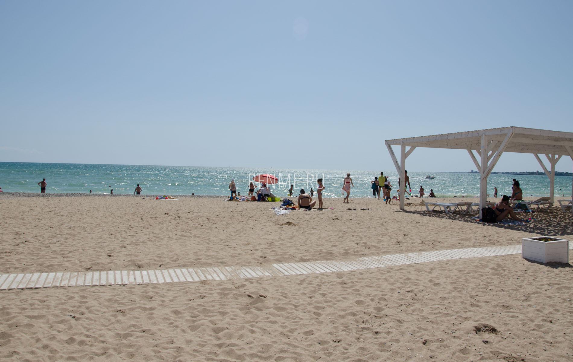 Золотой песчаный пляж. Фото Евпатории