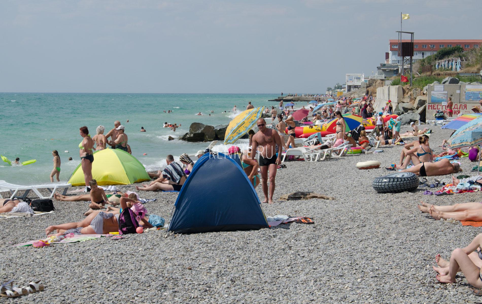 С палаткой на пляж в июне 2019. Фото Николаевки