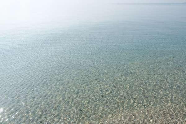 Морская вода в Крыму. Осенью 2019. Фото Евпатории