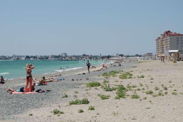Дикий пляж в городе. Пляжи Евпатории
