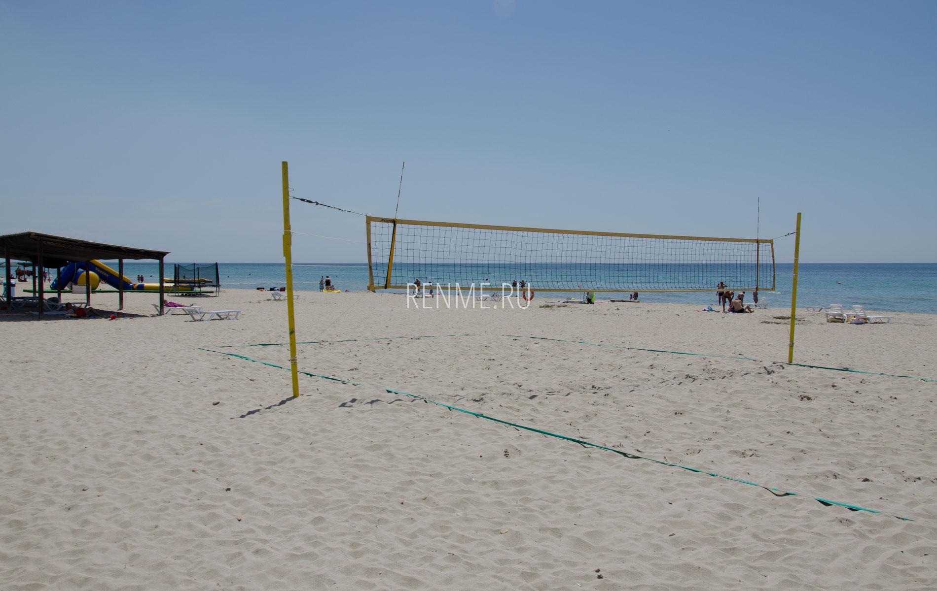 Волейбол на пляже. Фото Штормового