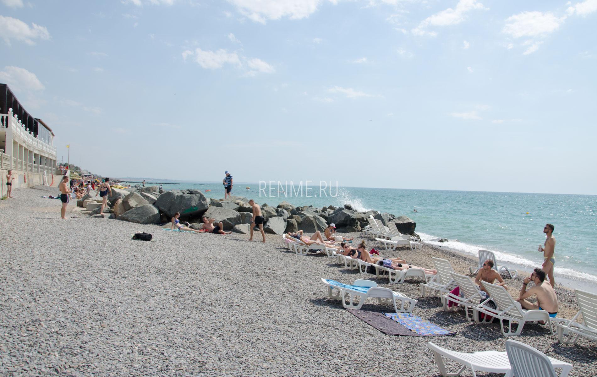 Галечный пляж в Николаевке. Фото Николаевки