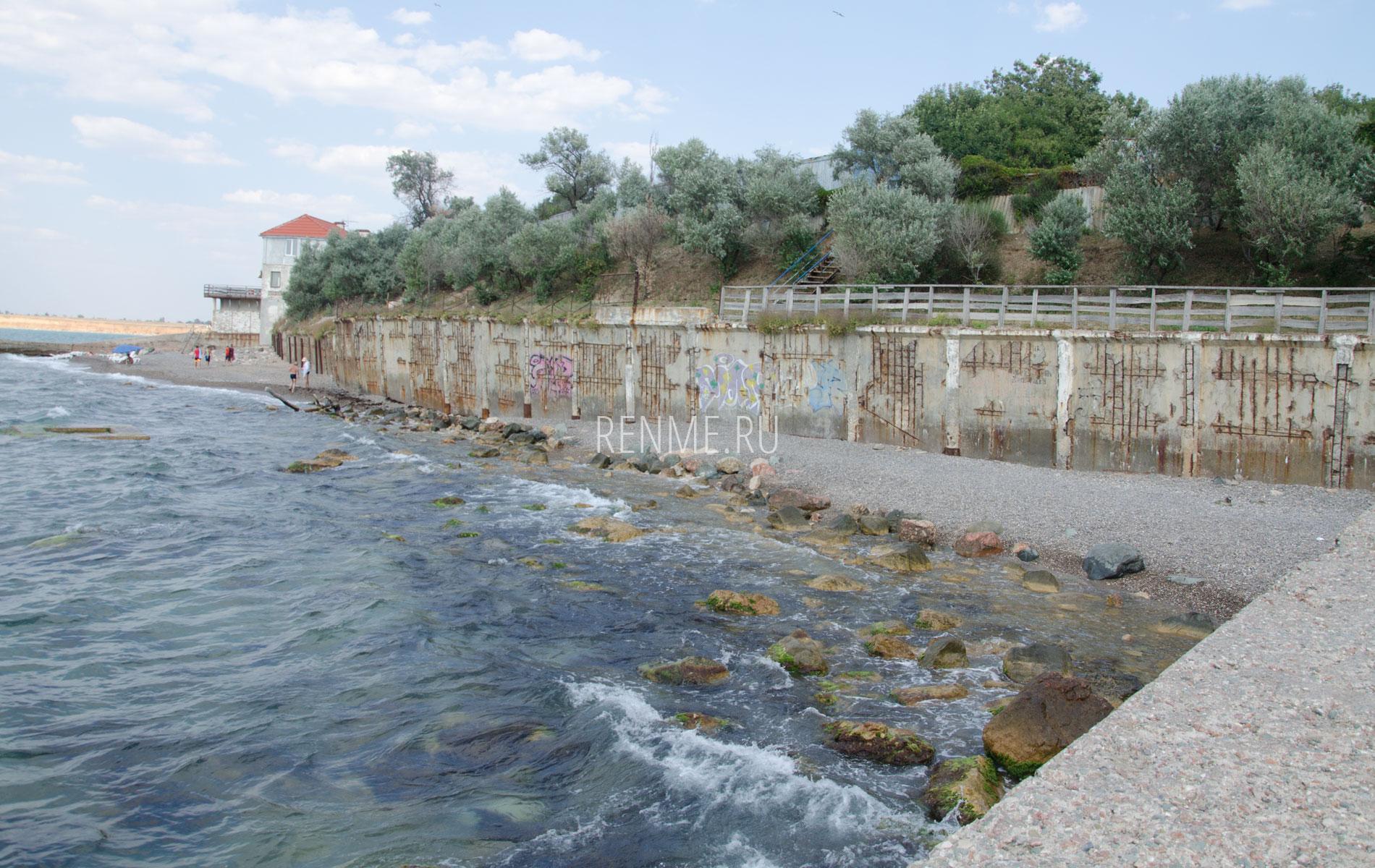 Размытый пляж в Крыму. Фото Николаевки