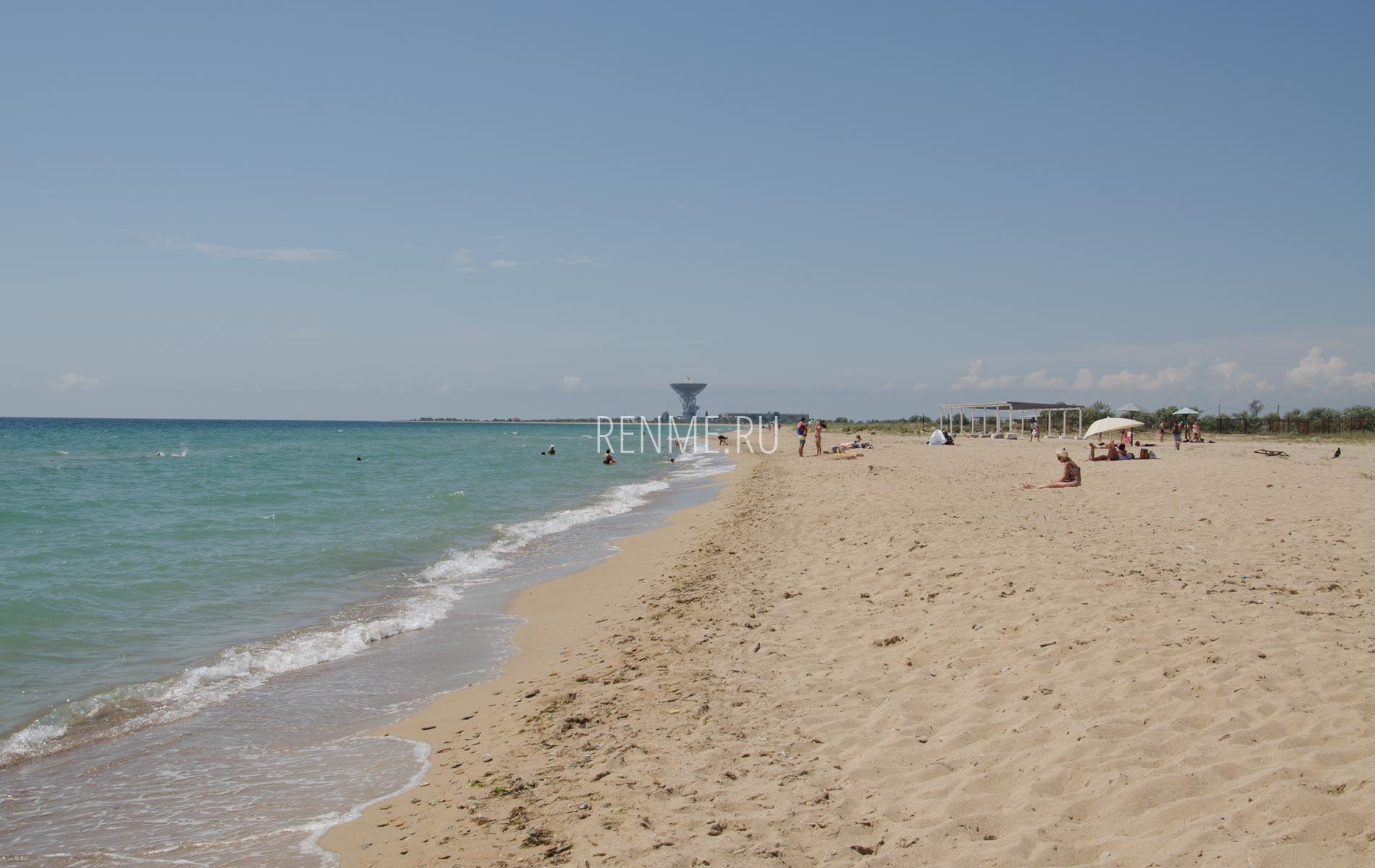 Золотые пляжи Западного Крыма. Фото Молочного