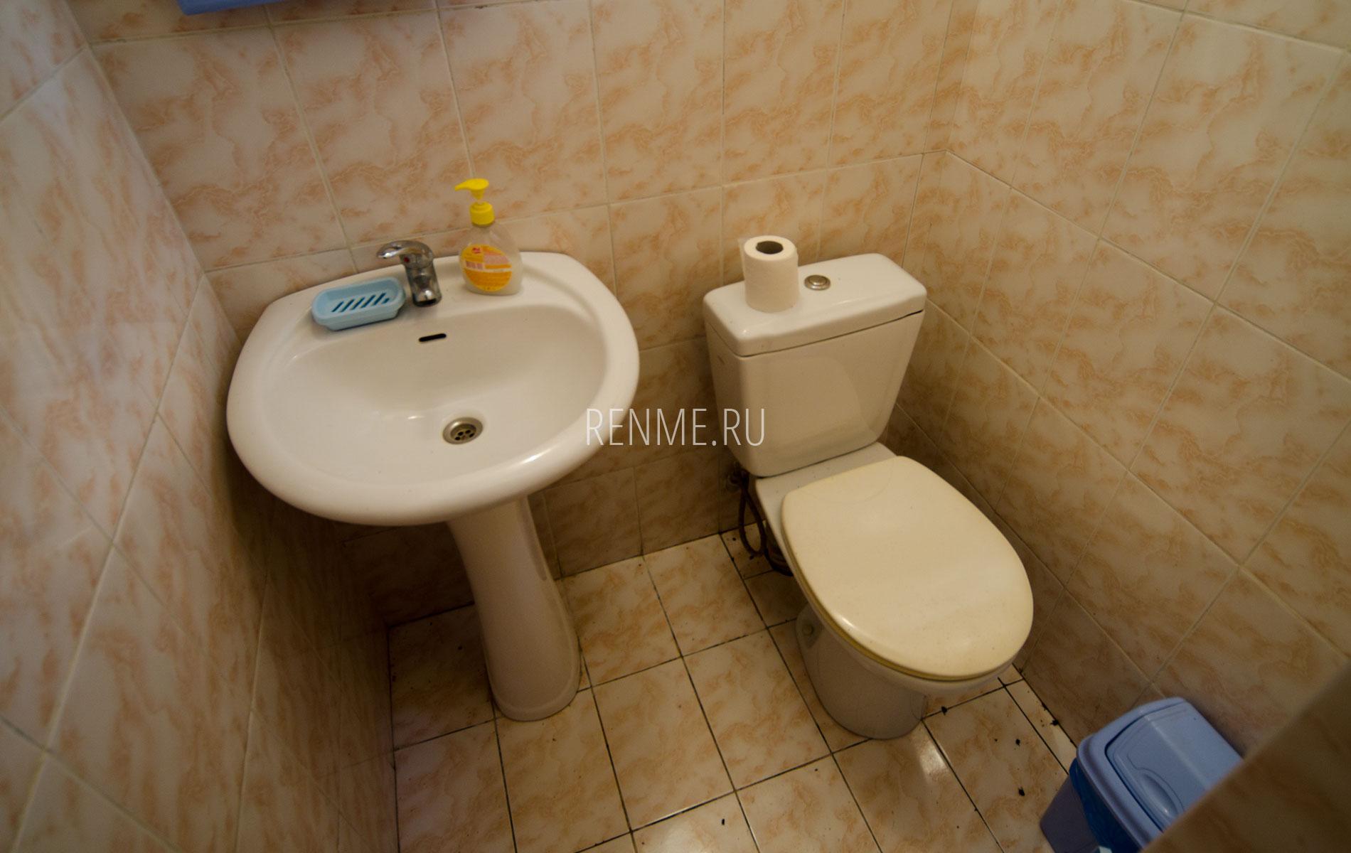 Туалет. Блок на 6 человек. Гостевой дом на Чкалова. Заозёрное