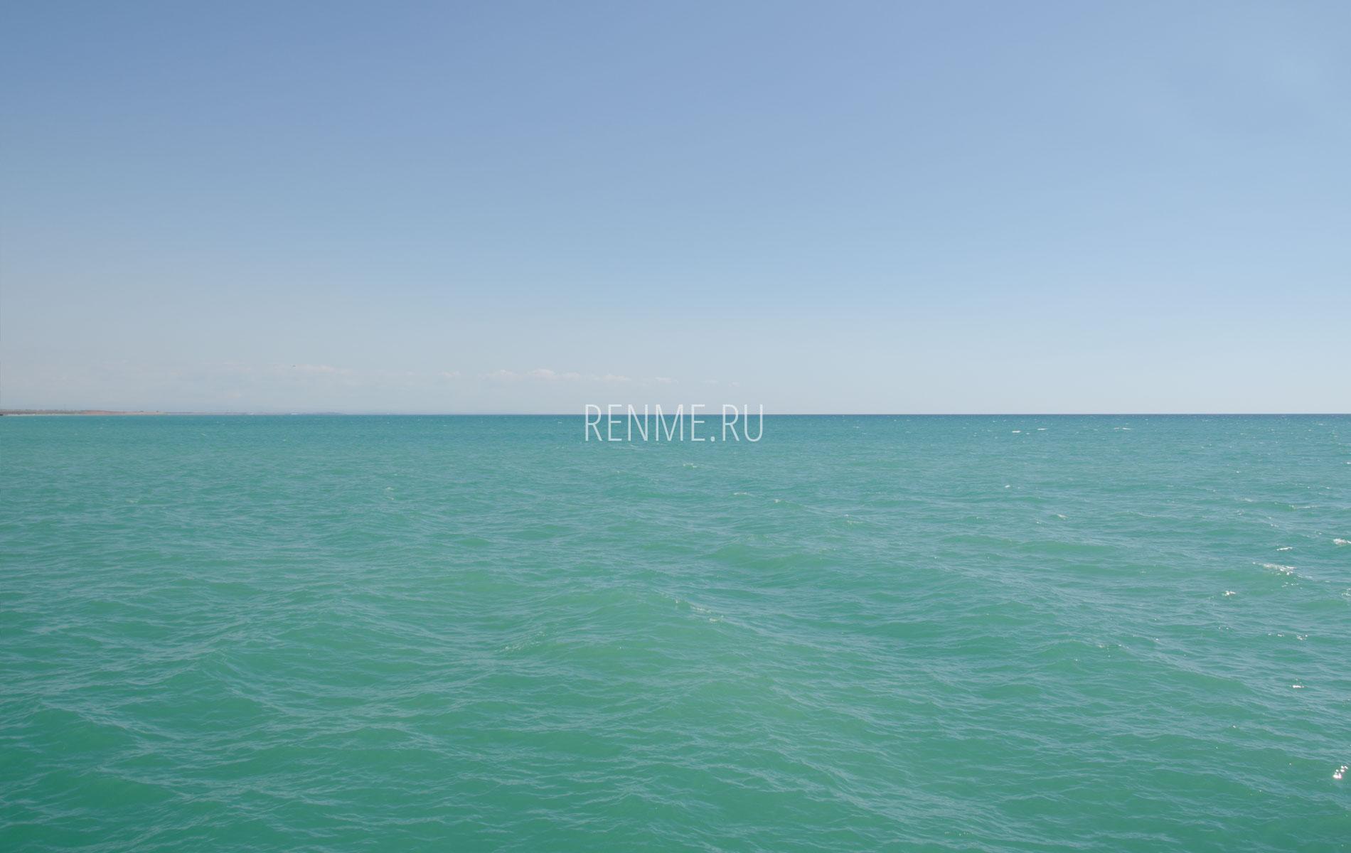 Черное море летом в Крыму. Фото Новофедоровки