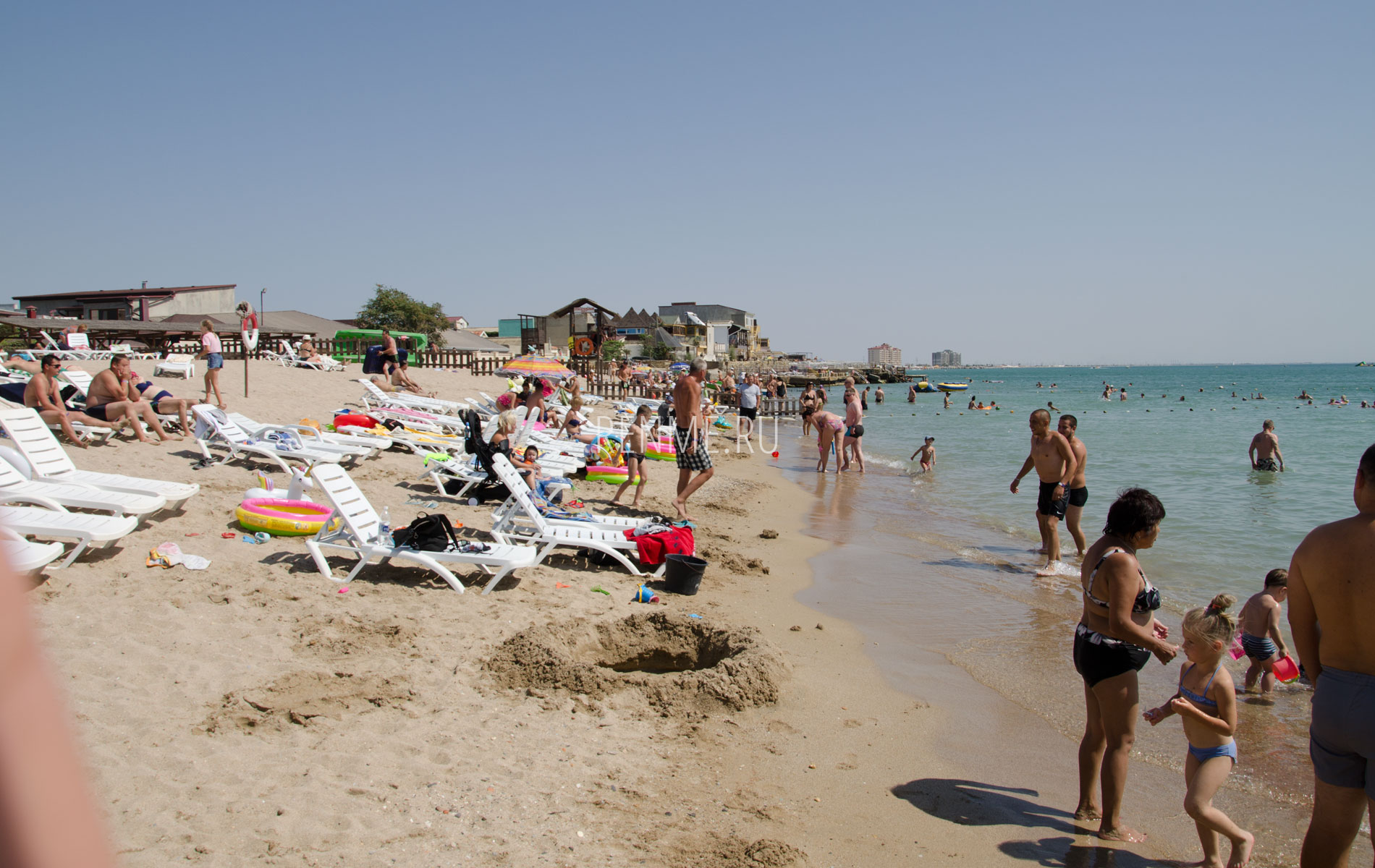 Пляж Оазис в Евпатории. Фото Евпатории