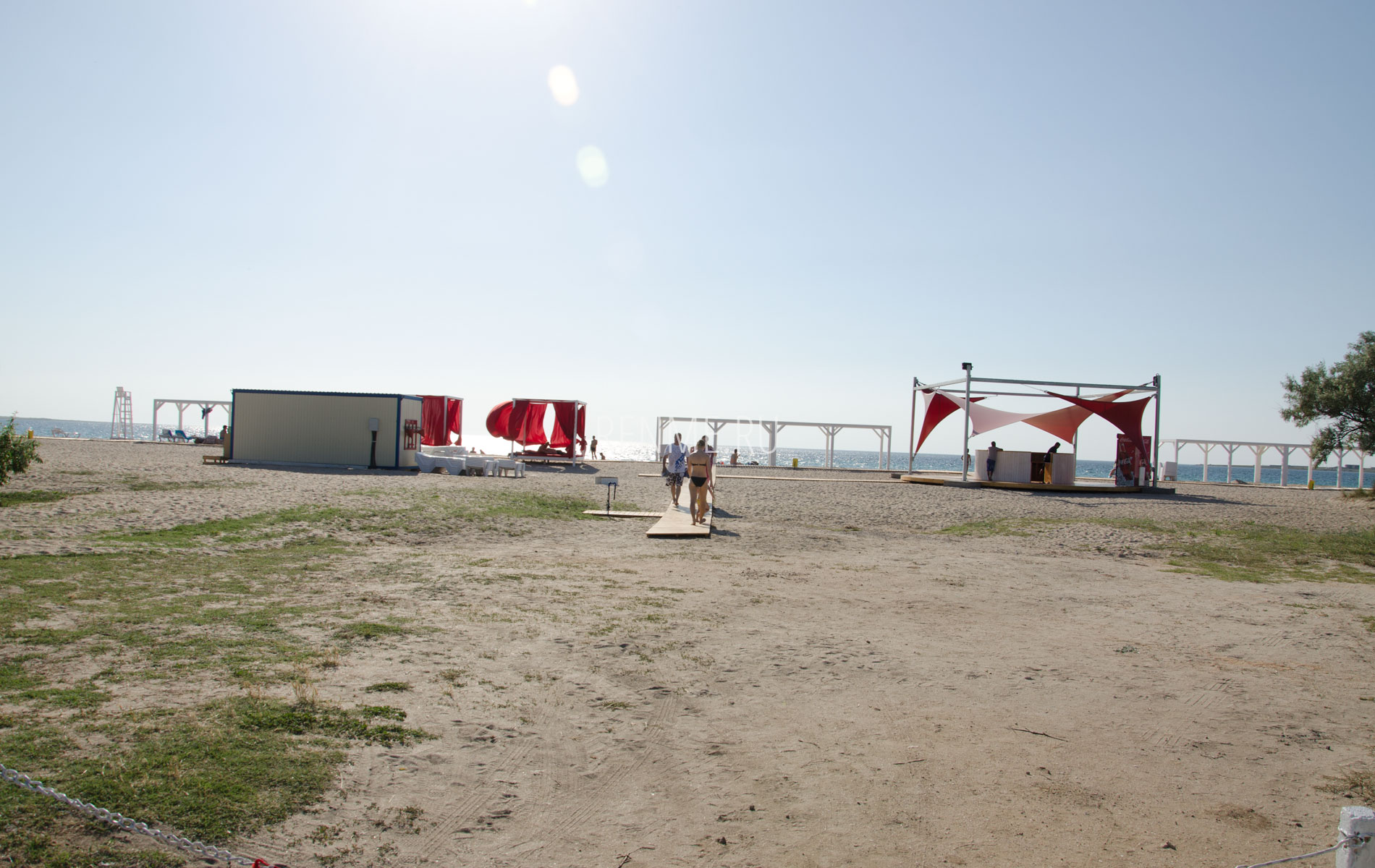 Вход на пляж Алые Паруса. Фото Межводного