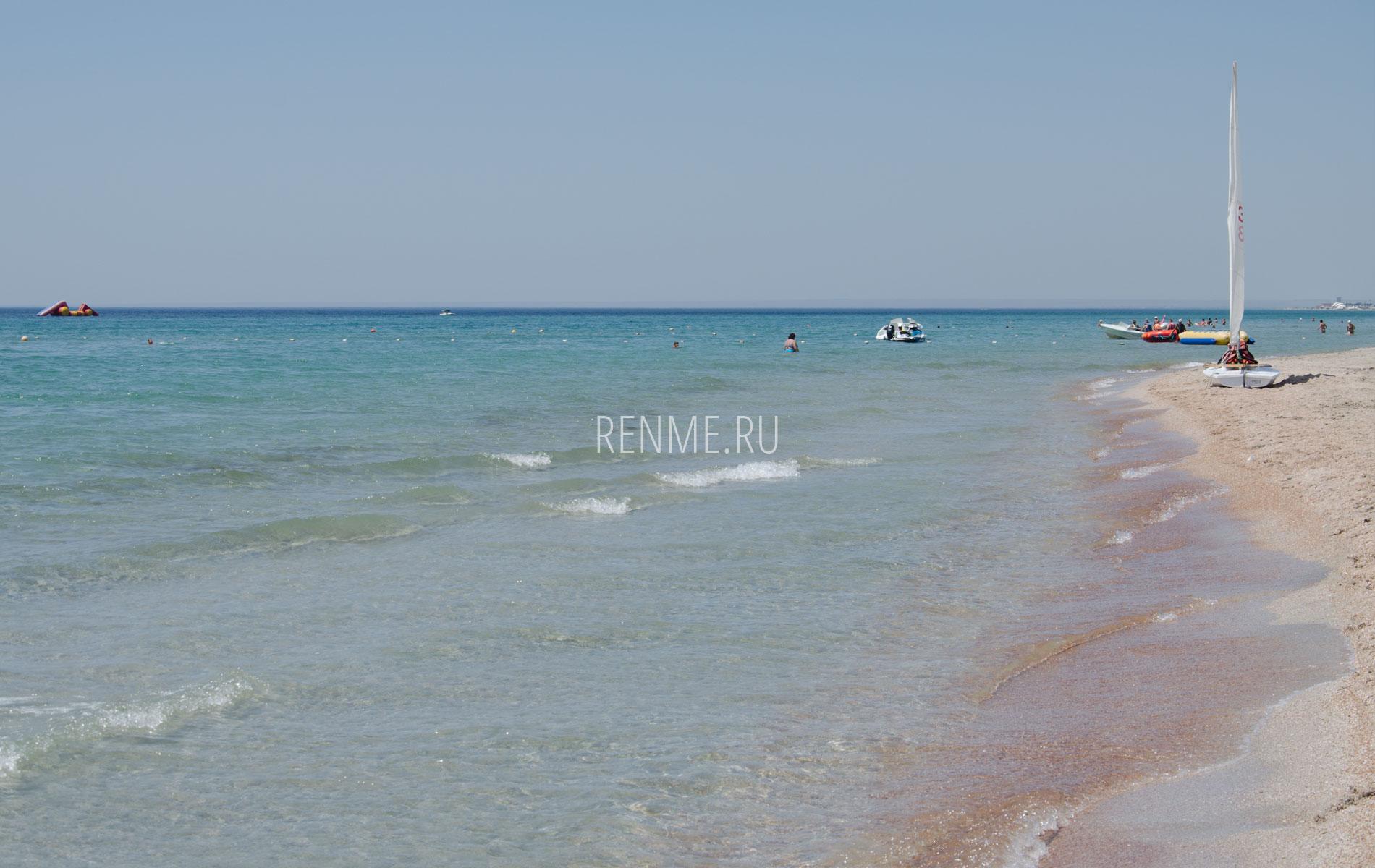 Крымский пляж в Штормовом. Фото Штормового
