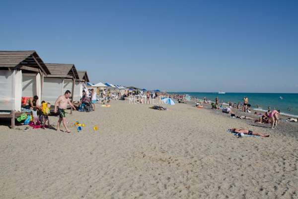 Бунгало на пляже в Прибрежном. Фото Прибрежного